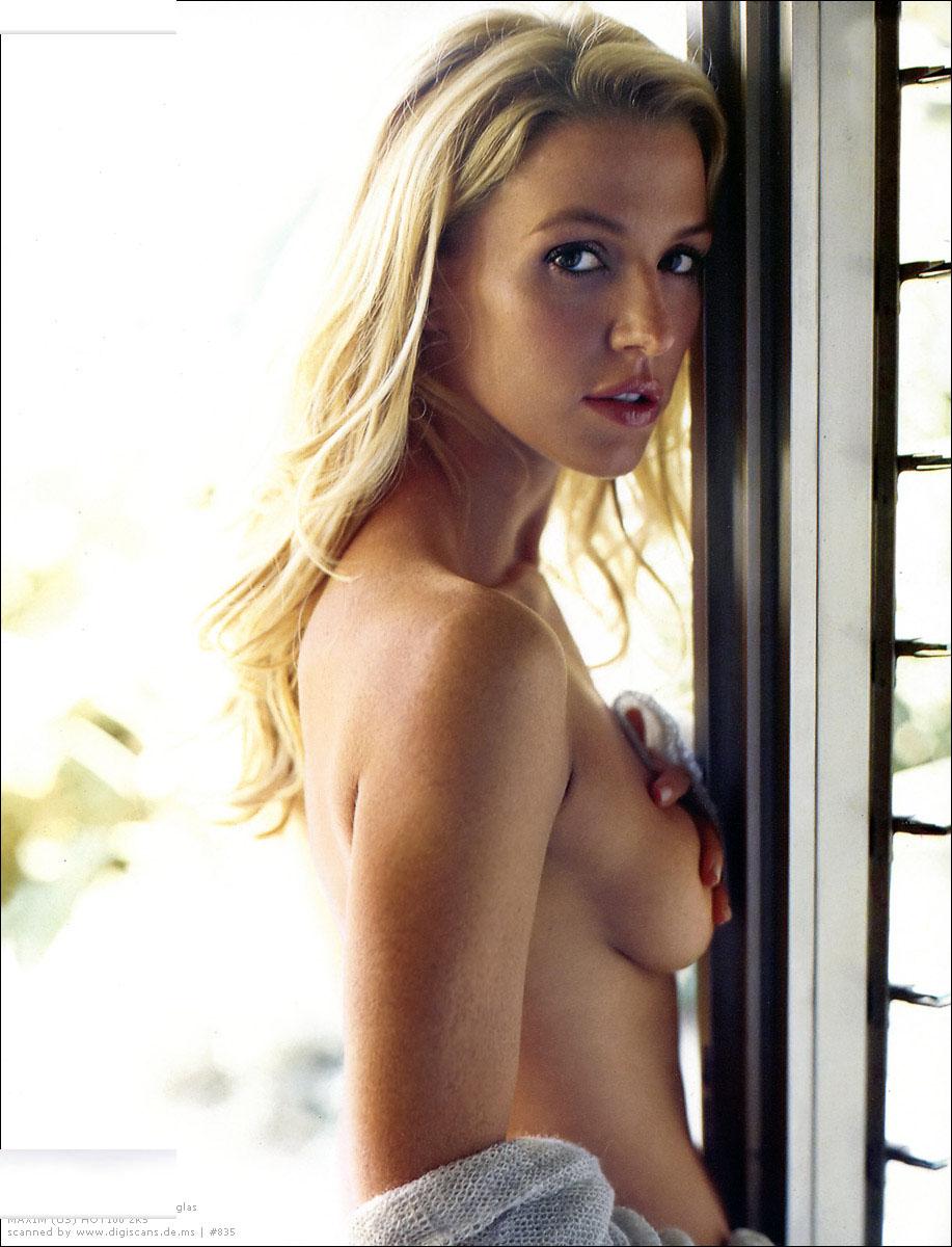 http://3.bp.blogspot.com/_JFX5_9i0Xng/S9vV5CthAvI/AAAAAAAADzM/RB32W5s1z1k/s1600/Poppy_Montgomery_Beautiful_Actress+3.jpg