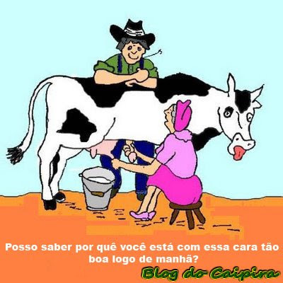 tirando leite da vaca