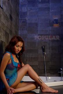 Koleksi Foto Model Telanjang Santie Elena