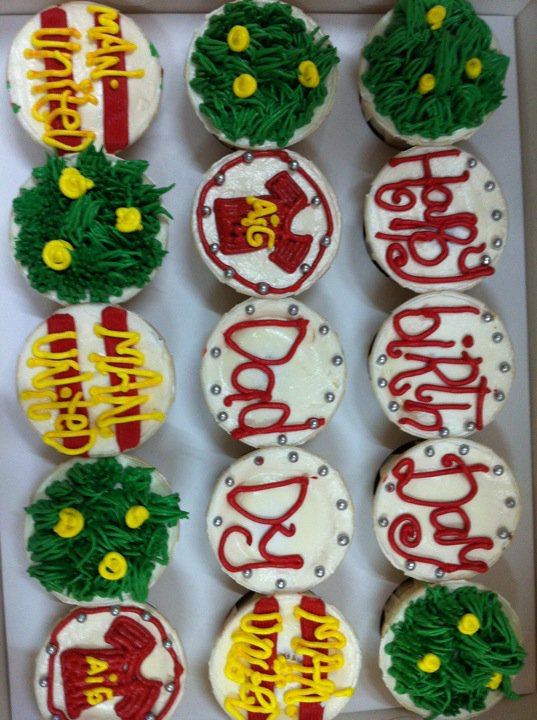 Sarah Cup cake- tempahan dari Kak Indri for her hb Anuar's b'day