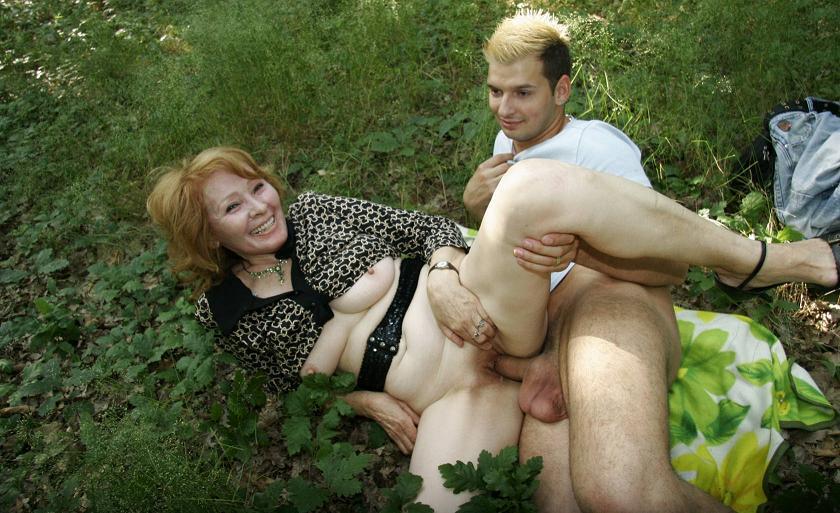 zrelie-i-tolstie-lesbi
