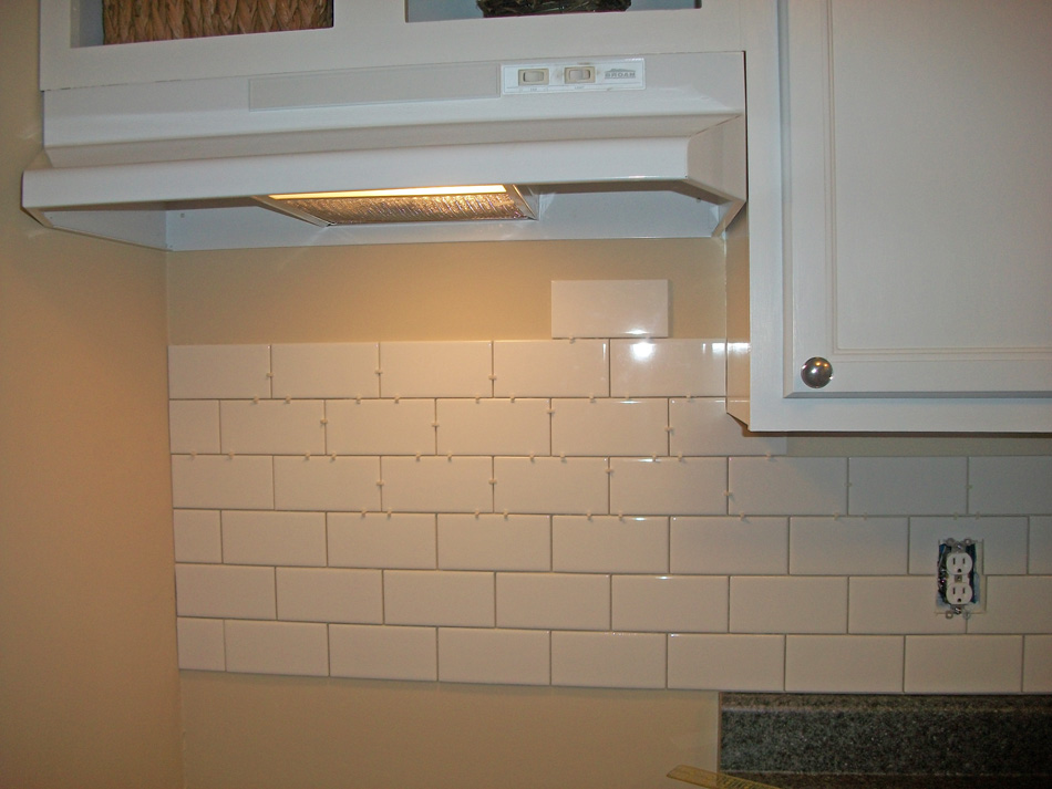 The Little House: White Subway Tile Kitchen Backsplash