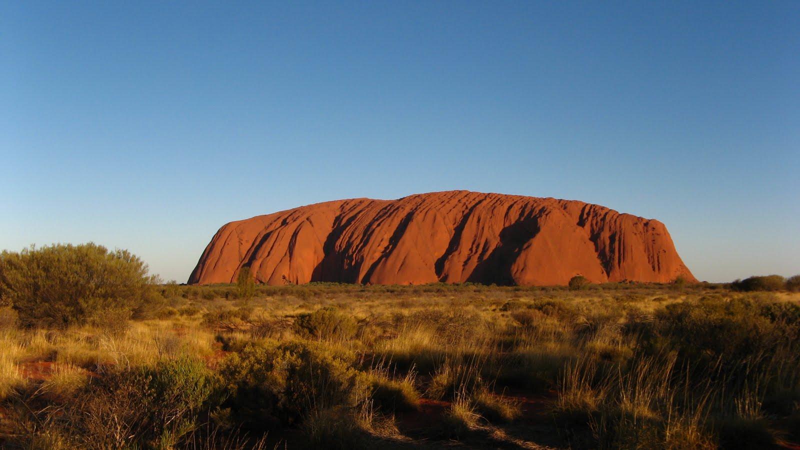 Fanchette gwen en australie uluru - Les bronzes bonsoir nous allons nous coucher ...
