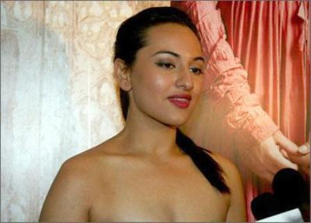 Hot and sexy photos of sonakshi sinha