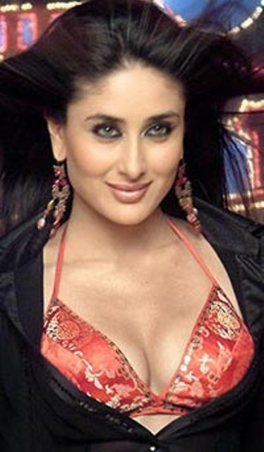 Kareena Kapoor Hot Wallpapers In Bikini. KareenaKapoor Hot Wallpapers 1