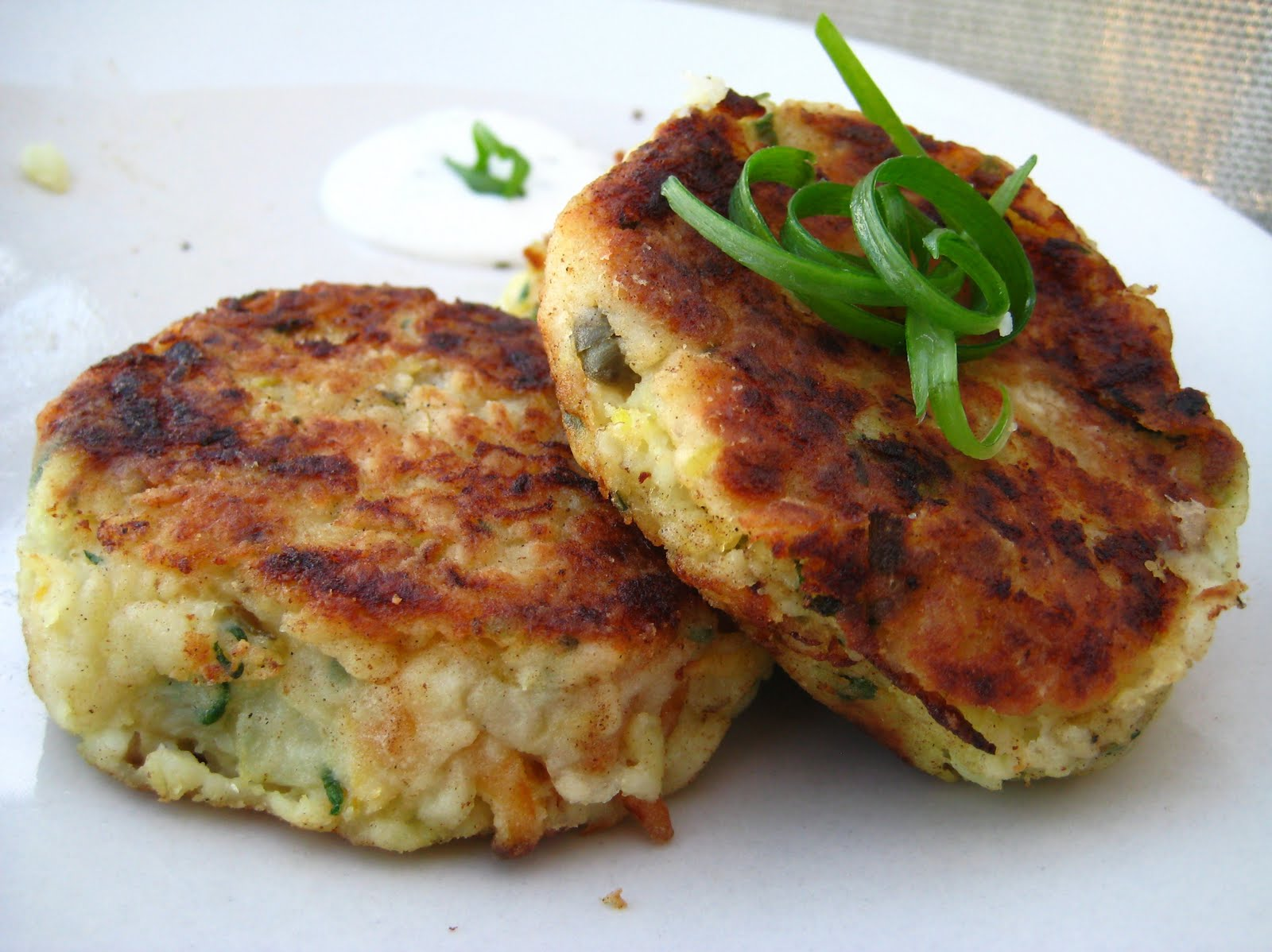 Sam tan 39 s kitchen smoked fish cakes with spring onion and for Smoked fish recipe
