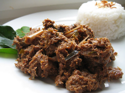 ... Kitchen: Malaysian Beef Rendang (Spicy Dry Beef Stew with Coconut