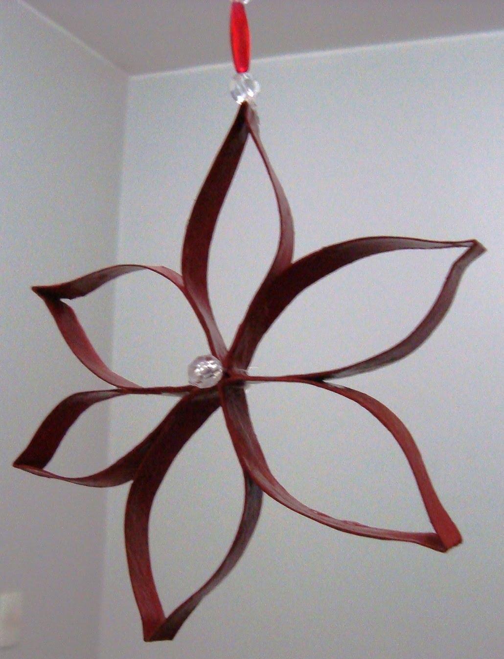 reciclarte m bile com flores de rolo de papel higi nico. Black Bedroom Furniture Sets. Home Design Ideas
