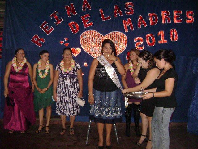 CANDIDATAS Y REINA DE LAS MADRES 2010