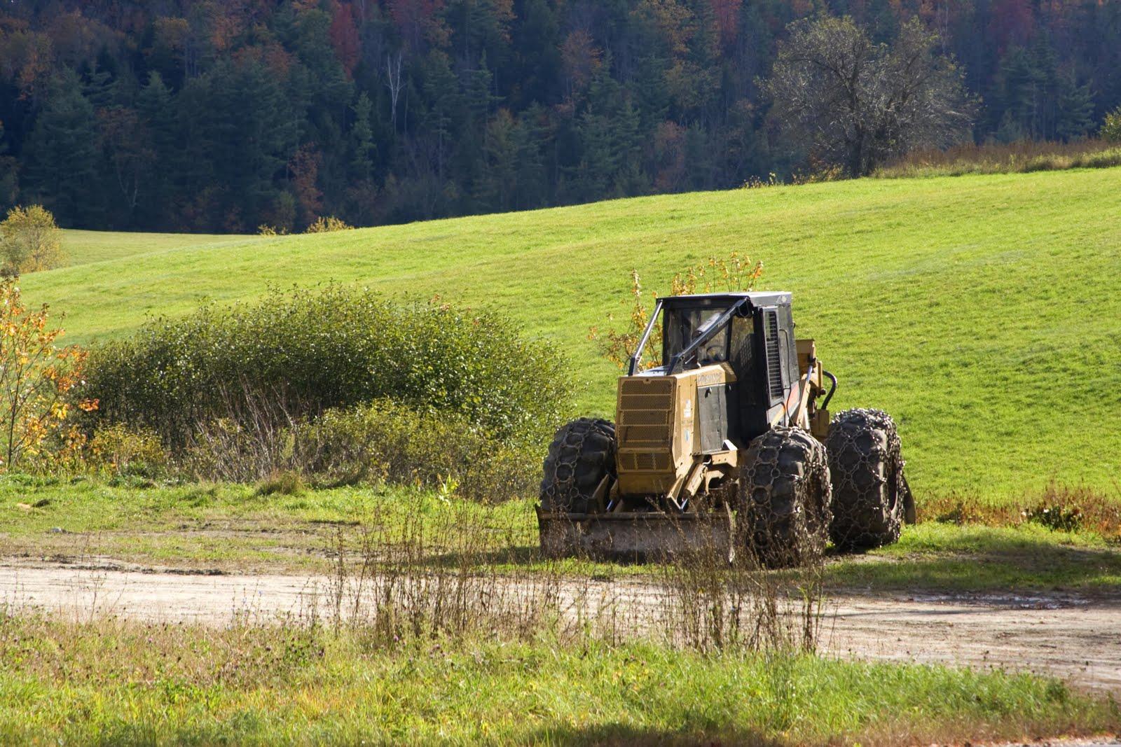 [roadside+tractor.jpg]