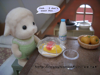 Sylvanian Families Story - Sheepie did not want take his breakfast.