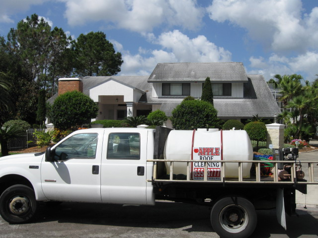 Contact Us: Apple Roof Cleaning Tampa Florida 711 Westbrook Avenue Brandon  FL 33511   813 655 8777