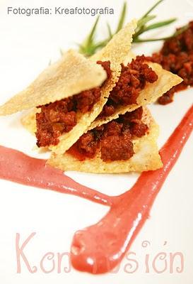 Morcilla patatera salsa ciruelas