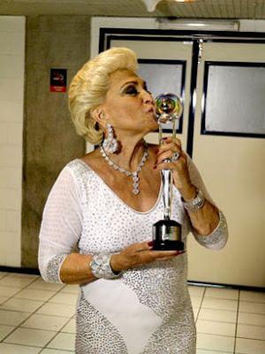 Programa de Hebe Camargo estreia na RedeTV! dia 8 de fevereiro.