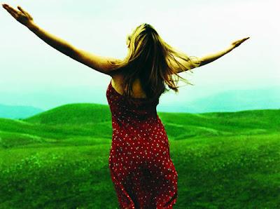 http://3.bp.blogspot.com/_JSJDsAN5KNw/SdUD60-w7QI/AAAAAAAAAf0/t61UUDsIPhY/s400/livre-pensar-do-yoga-daniel-denardi-respire.jpg