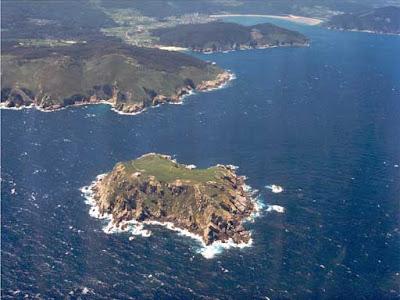 Isla Coelleira con Vicedo al fondo