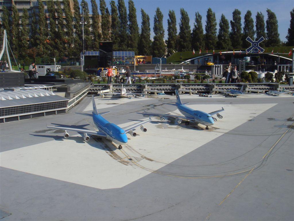 Aeroporto Amsterdam : Hangar brasil aeroporto de amsterdam schiphol em madurodam