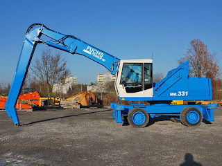 1 740884 EXCAVATOR INDUSTRIAL Fuchs MHL 331 manipulare materiale fier vechi din 2001 65.900 Euro
