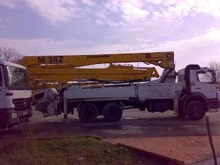 AUTOPOMPA+DE+BETON+Putzmeister+M+36+2 738032 Auto Pompa de Beton PUTZMEISTER montata pe MERCEDES BENZ pompe de beton second hand 36m 2005 150.000 EURO