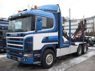 CAMION%2BPENTUR%2BTRANSPORT%2BLEMN%2BSCANIA%2B1 785260 CAMION PENTRU TRANSPORT LEMN Scania R144GB 6x2 second hand de vanzare 1998 26.000 Euro