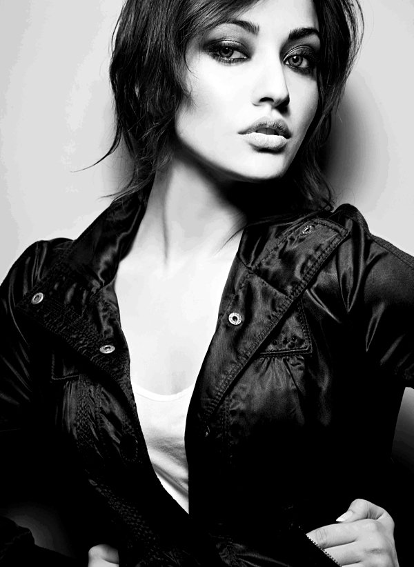 10 Pictures Of Neha Sharma Without Makeup forecast