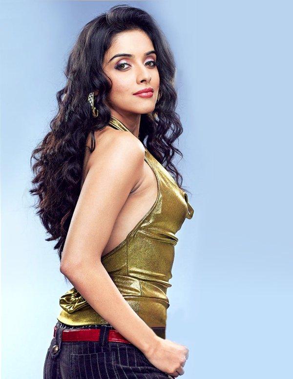 hot-sexy-desi-indian-actress-kerala-mallu-aasin-asin