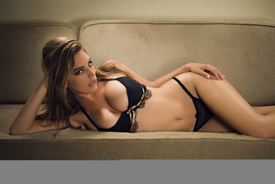 Kelly Brook hottest photo
