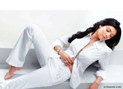 This is  sushmita sen wallpaper