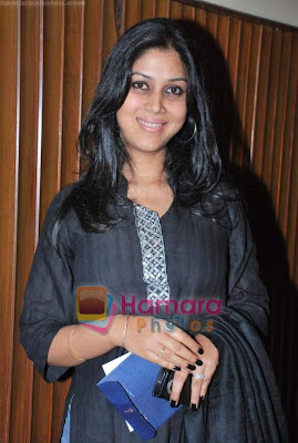 Sakshi Tanwar is in pink saree