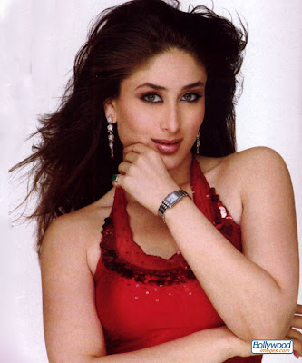 kareena work in film 2004, Dev and chameli.