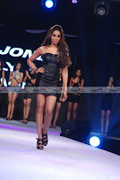 Sushmita, Dia, Shilpa, Bipasha Walk on The Ramp For Vero Moda Show