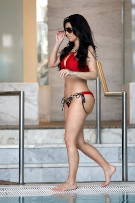 Kristin stewart in a bikini