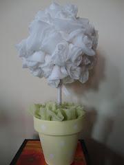 arbolito de rosas de voile blanco