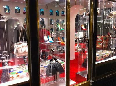 christian louboutin paris store opening hours