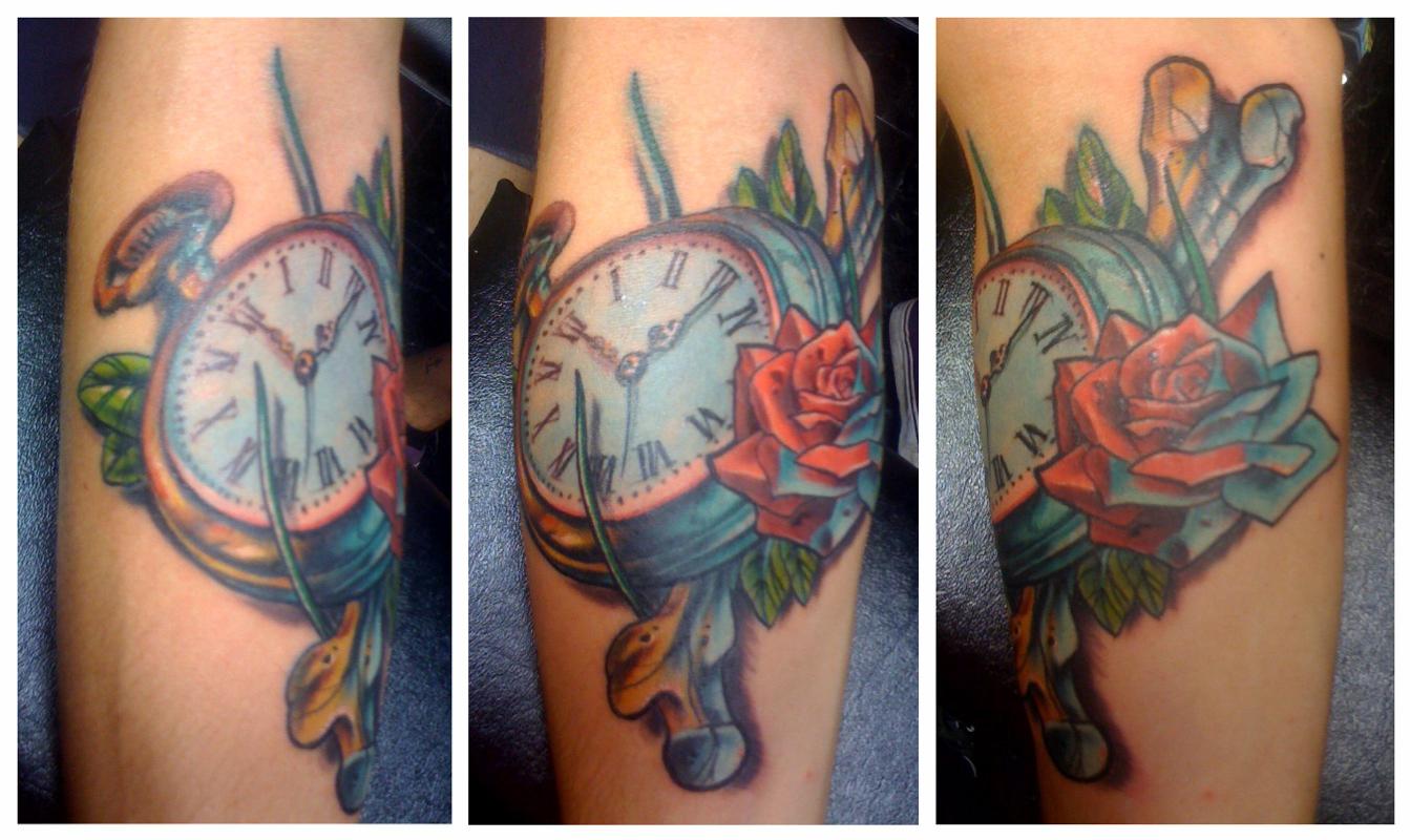 http://3.bp.blogspot.com/_JWvgCsrsEME/TGwbwbMXGGI/AAAAAAAAAWs/Aw8SHJQIwIY/s1600/evan-watch-tattoo.jpg