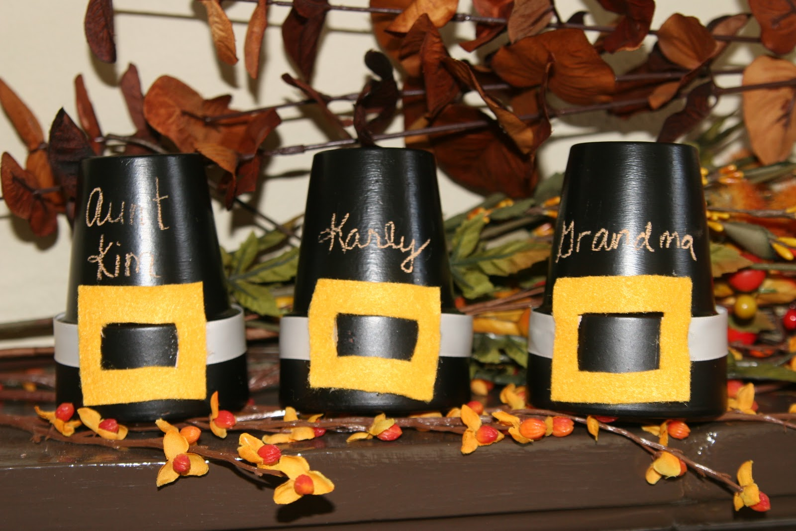 My creative way diy thanksgiving place card ideas for Diy thanksgiving table place cards