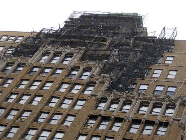 8th Ave. Scaffold - At 520 8th Ave. a while ago.