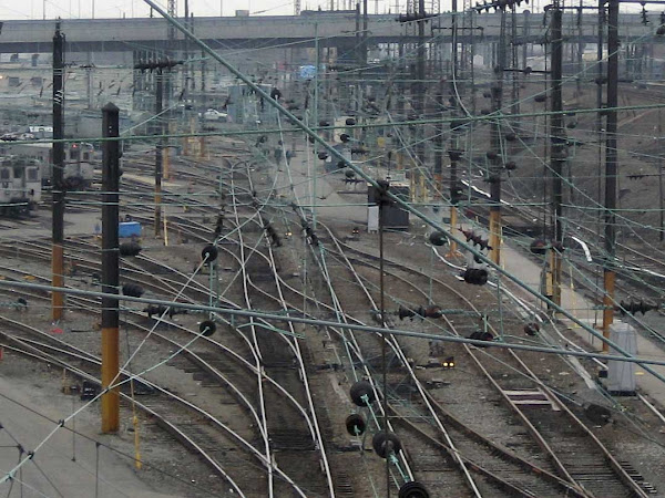 LIRR Wires - From Queens Blvd.