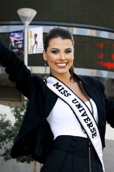 Miss Universe 2009 Stefania Fernandez visits Planet Hollywood