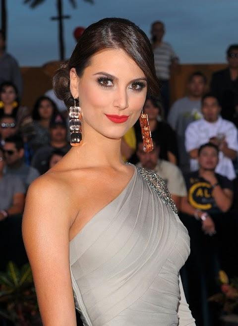 Stefanía Fernández en Latin Grammy 2009