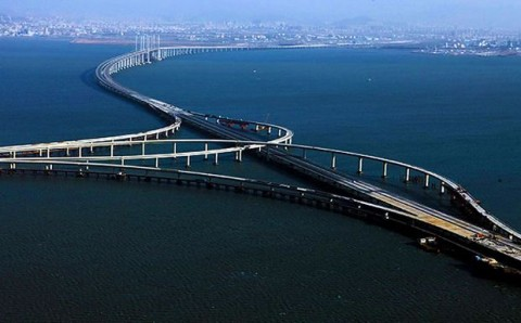 Γέφυρα του κόλπου χαντζού στην κίνα