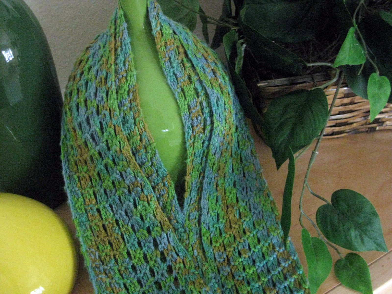 golden bird knits: Mesh bamboo scarf knitting pattern
