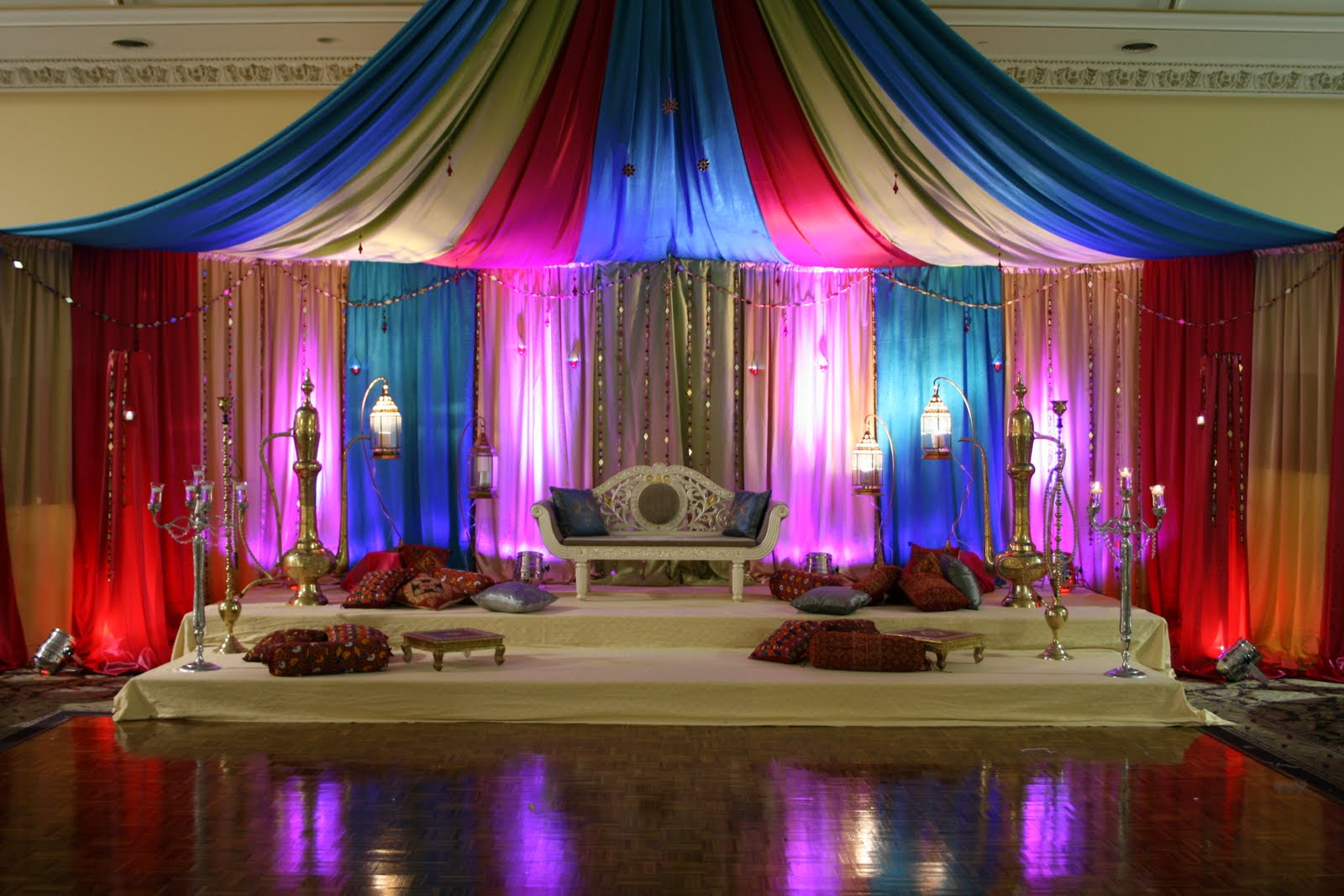 A dulhan 39 s dream mehndi day decor for Sangeet decorations at home