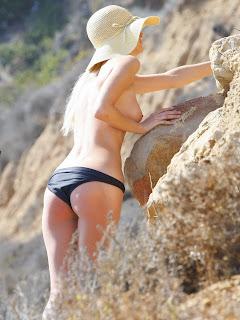 Paris Hilton topless sexy black bikini nice tits