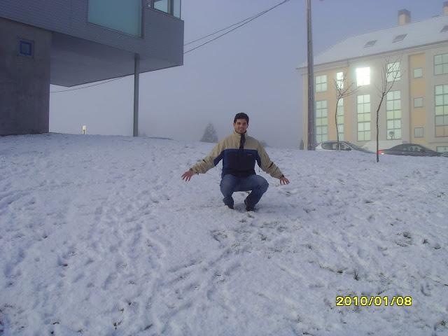 Jugando con la nieve en Milladoiro