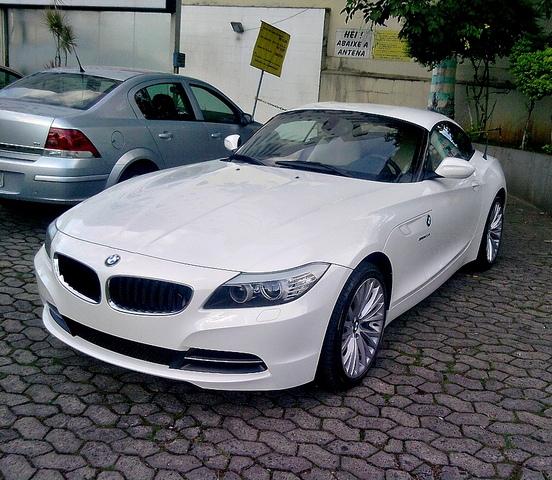 Bmw Z4 Blog: Itaúna Super Carros: BMW Z4 Roadster SDirve 23i