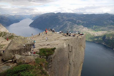 15 Bukit Batu Paling Yang Fantastis [ www.BlogApaAja.com ]