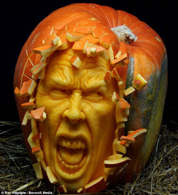 Amazing artist who carves pumpkin portraits Art  Seen On  www.coolpicturegallery.us