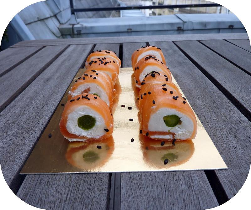 roul s de saumon fum au ch vre frais et asperge verte fa on sushis. Black Bedroom Furniture Sets. Home Design Ideas