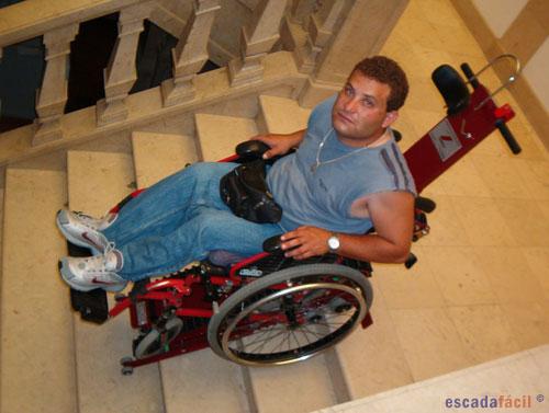 Ajudas para subir escadas for Silla de ruedas para subir escaleras